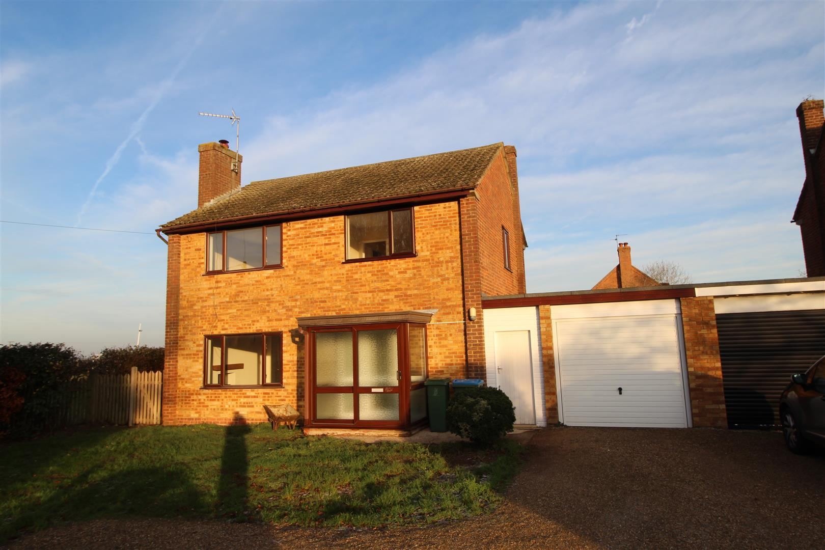 SUPERB VILLAGE LOCATION. This 3 bedroom detached house was updated throughout only a couple of years ago. The property has gas heating to radiators and Upvc double glazing and briefly comprises: Entrance porch & hall, lounge/diner with a log burner, kitch